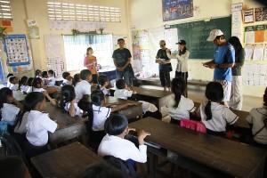 ポー村小学校でのボランティア